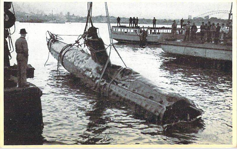 Midget submarine 3 front